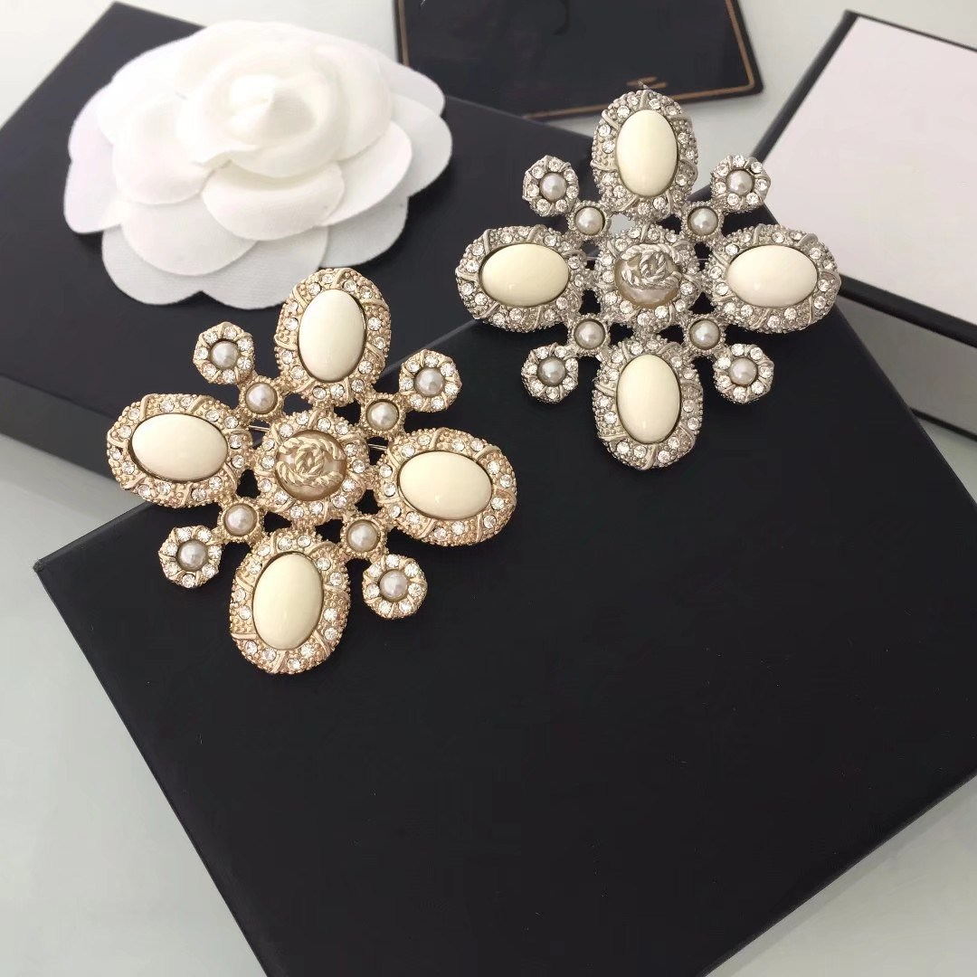 Korean jewelry up exquisite pearl pendant brooch pin igan sweater pin brooch large shawl scarves