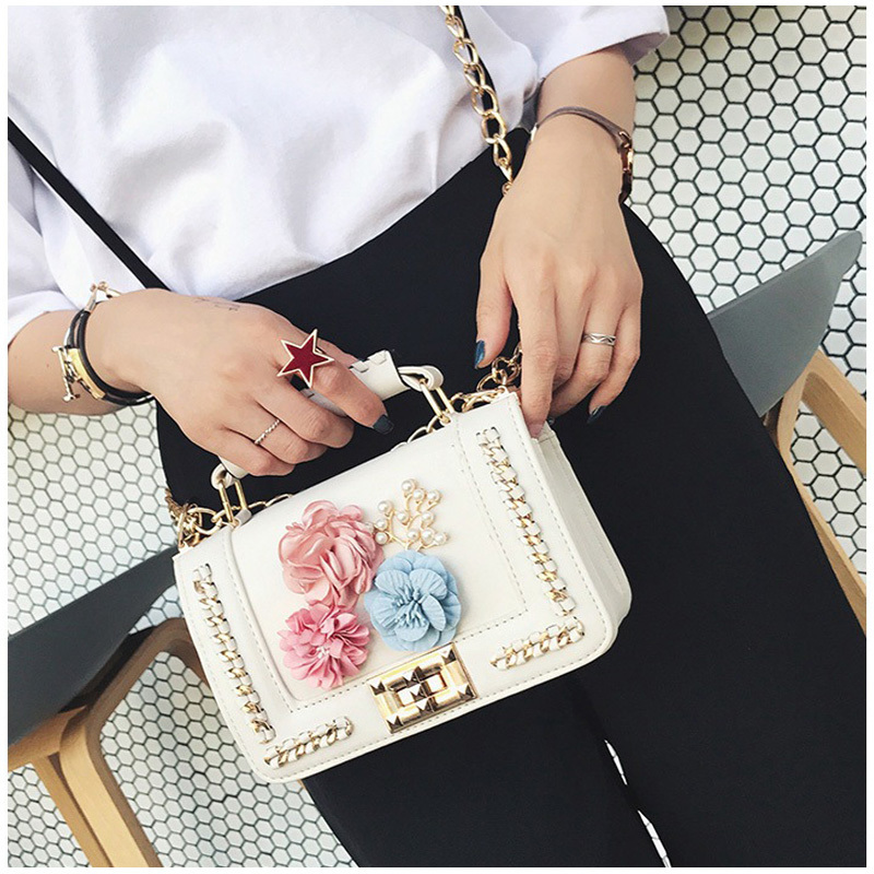 High quality shoulder bag famous designer fashion clutch personalized flower metal chain shoulder bag young woman gift