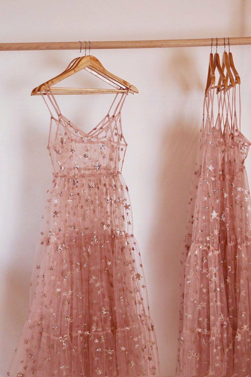 2019 New Dress Arrival Straps Tulle Solid Long Women Dresses Fashion Bling See Spaghetti Through Sexy Fashion Hot