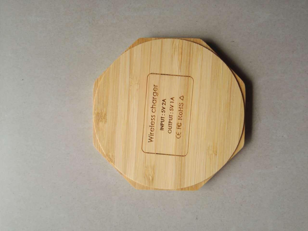 Новая оригинальность Woodiness Bamboo Беспроводное зарядное устройство 5 Вт Круглый квадратный в форме сердца Bamboo Wireless Launcher Factory Продам