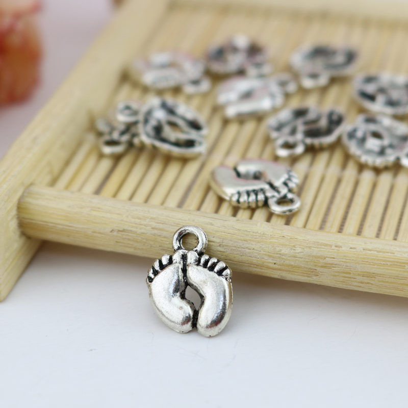 50 Pcs 14mm Tibetan Silver Baby Feet Charms Jewellery Pendant FREE UK P+P G5