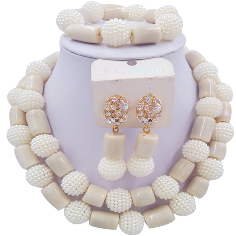 Jewelery Set White and Beige