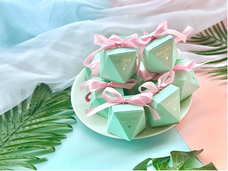 New PinkRedBule Diamond Shape Baby Shower Candy Boxes Wedding Favors and Gifts Boxes Birthday Party Decoration for Guests (11)
