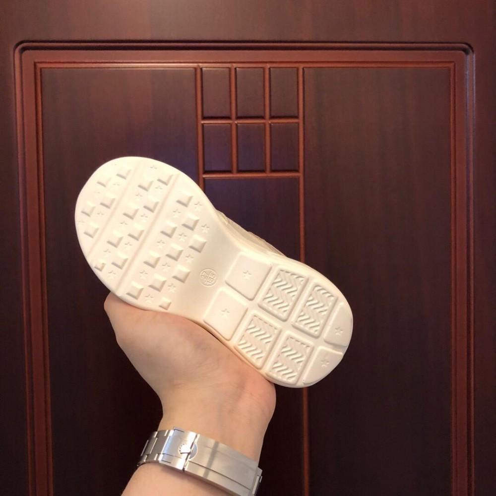 Zapatos de gama alta para niños verano Nuevo patrón Cuero genuino estilo corto Moda niños zapatillas guc-85