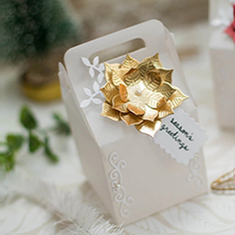 S6-153-Becca-Feeken-Charming-Christmas-Charming-Cottage-Box-Etched-Dies-project_3__22974.1536938783.webp