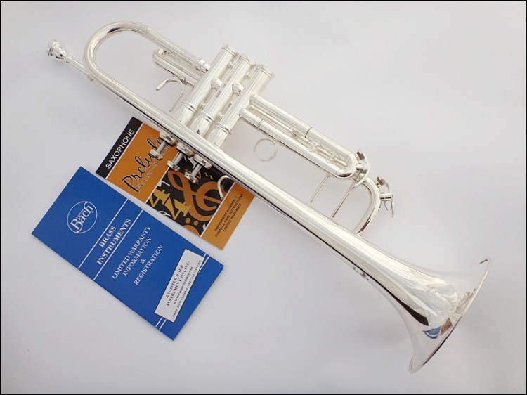 Hot Selling Bach LT190S-77 Bb Trumpet Brass Silver Plated Surface High Quality Bb Trumpet New Popular Music Performance Instrument with Case