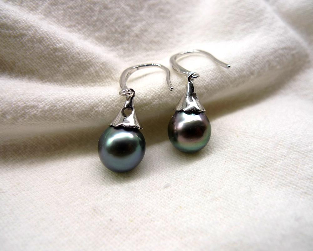 pearl earrings seawater