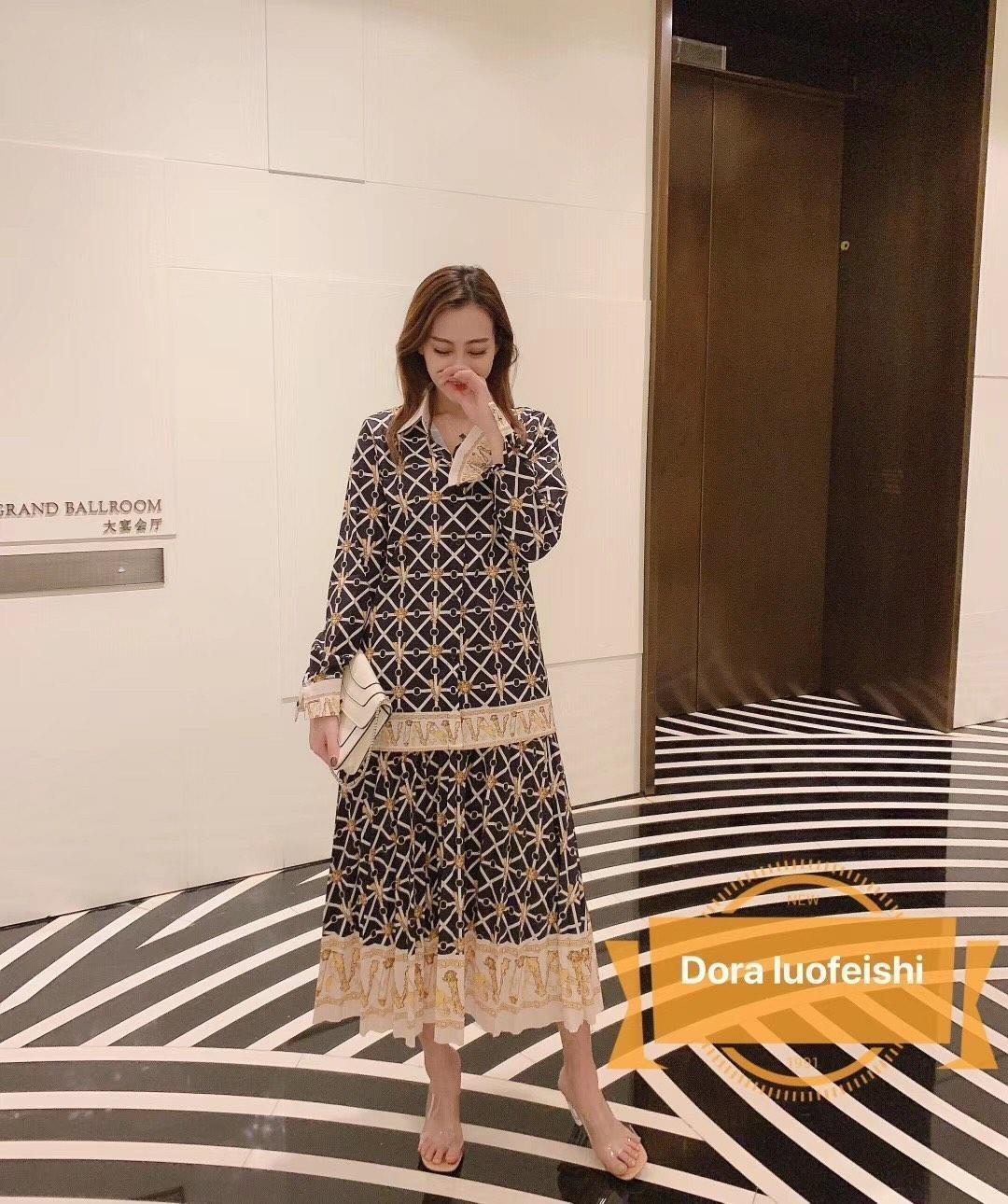 штучных женщины два комплекта юбка марка печать с длинным рукавом рубашки топы плиссированные длинные юбки женщин одежды платья партии одежды 10239