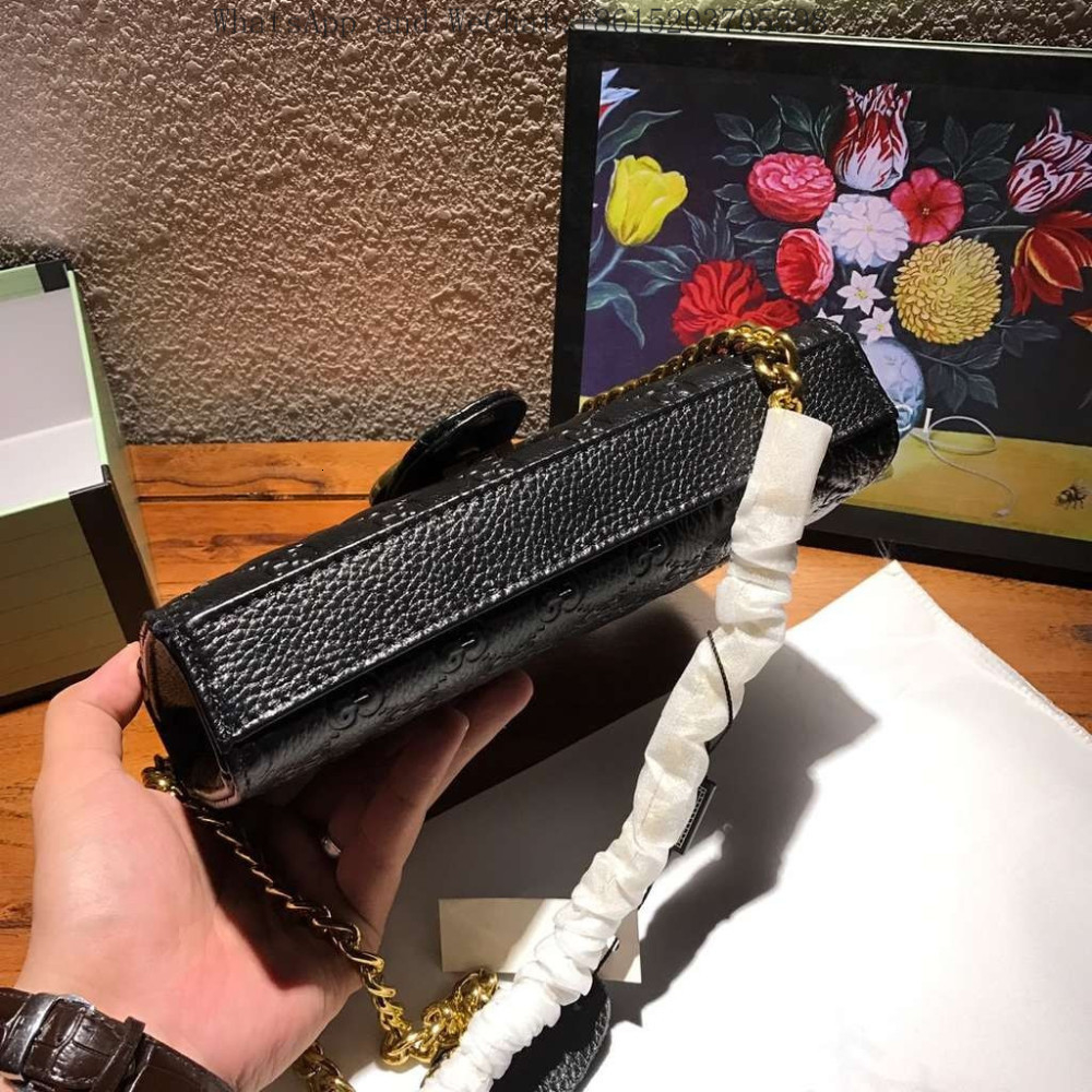 Frauen-Beutel-Handtasche Hot Plaid Patterned Echtes Leder Kalb Tote Retro Black Metal Zubehör Black Metal Badge-Verschluss