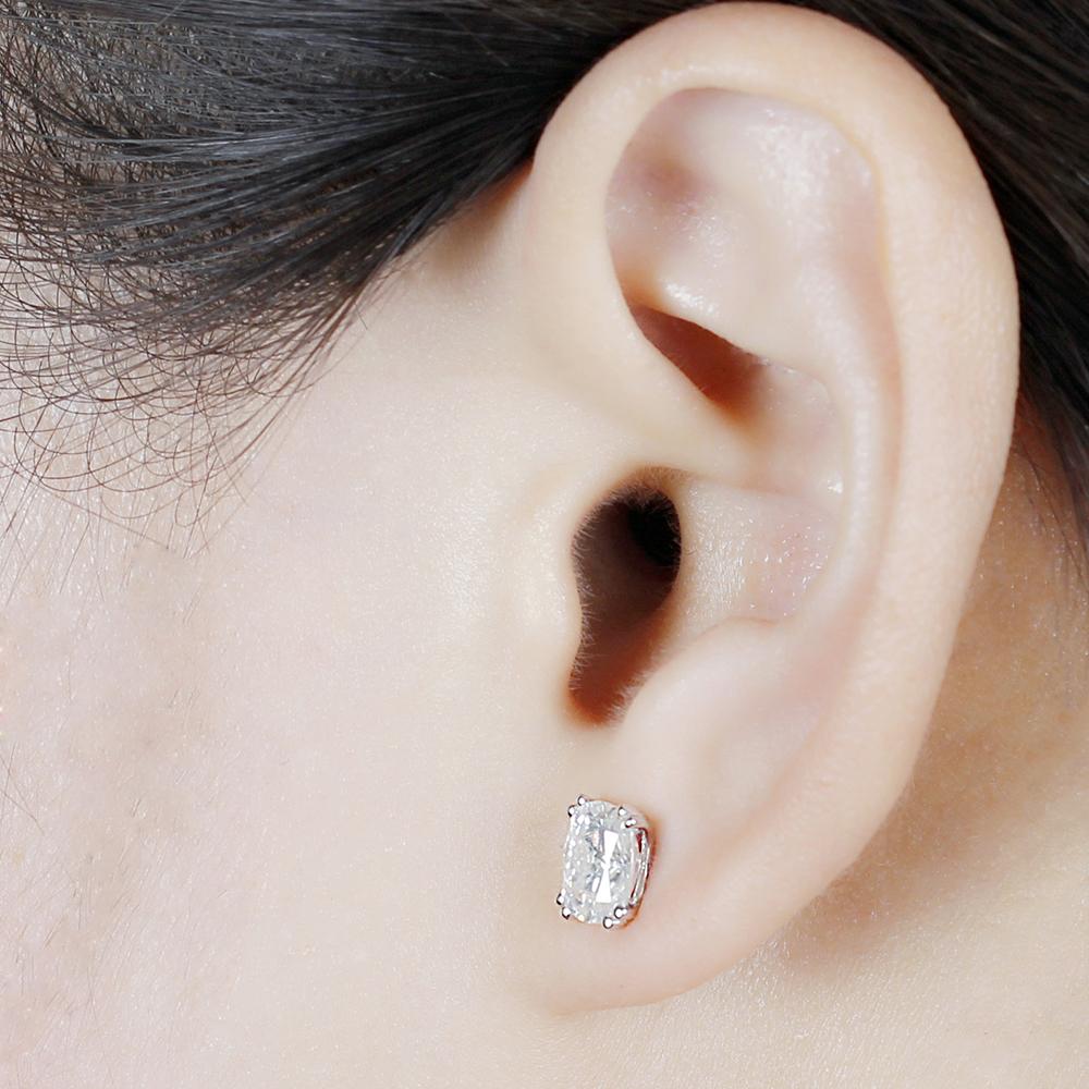 cushion cut moissanite earrings (9)