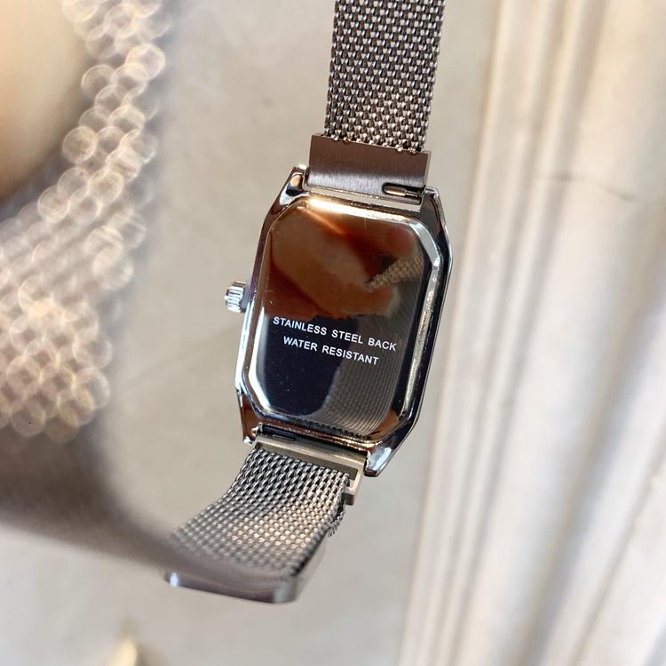 Nuevo estilo Vestido de mujer Reloj de lujo Relojes de lujo para dama Mujer Chica Regalo Plata Reloj de pulsera de moda Reloj Relogio Feminino Imán Cerradura Cuadrada