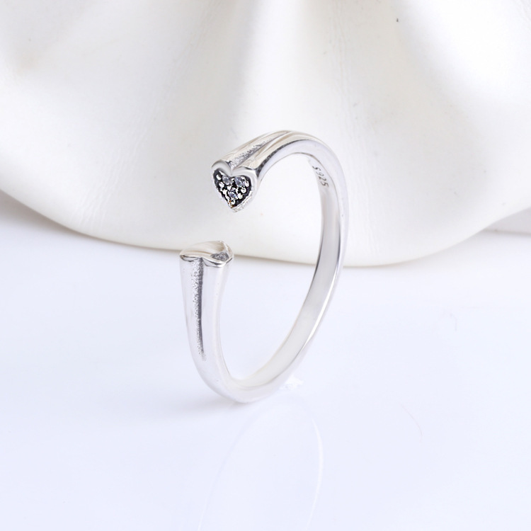 30% Pr Ishay Cute Decoracion Jewelry Women Rings Witch Hats Broom Mop Pumpkin Lamp Alloy Finger Rings Hollow Out Men's Ring C19041203