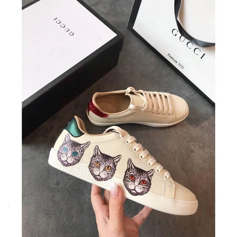 Lovers Casual Lace Up Chaussures Homme Chaussures de jogging Marche blanche Athletic Lace Mode Chaussures femmes Chaussures à coréenne Cool Style de marée de chaussures