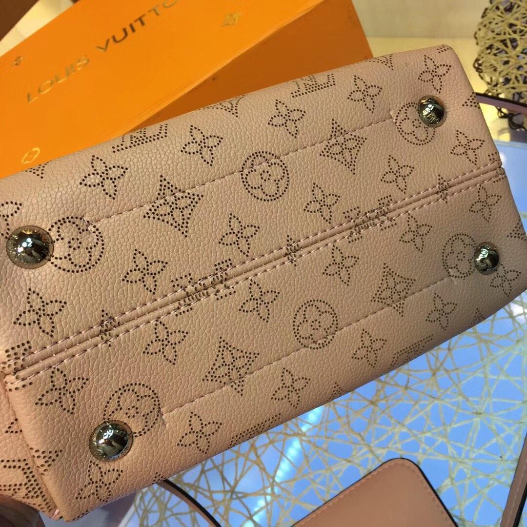 2019 klassische elegante Handtasche Messenger Persönlichkeit Metall Dekoration Leder Handtasche Totes Geldbörse Schultertasche Crossbody Einkaufstaschen S-n37