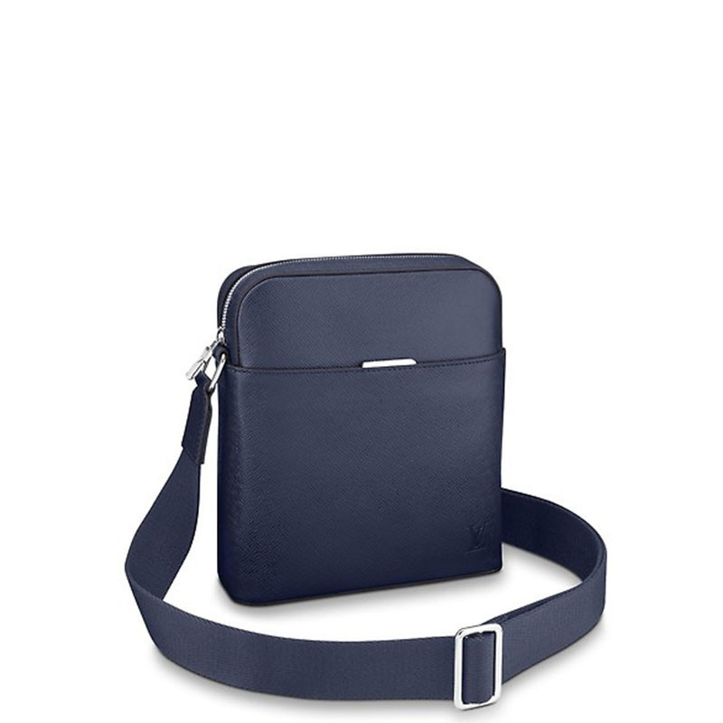 /  briefcase M33430 Ordered goods 2-3 weeks after delivery