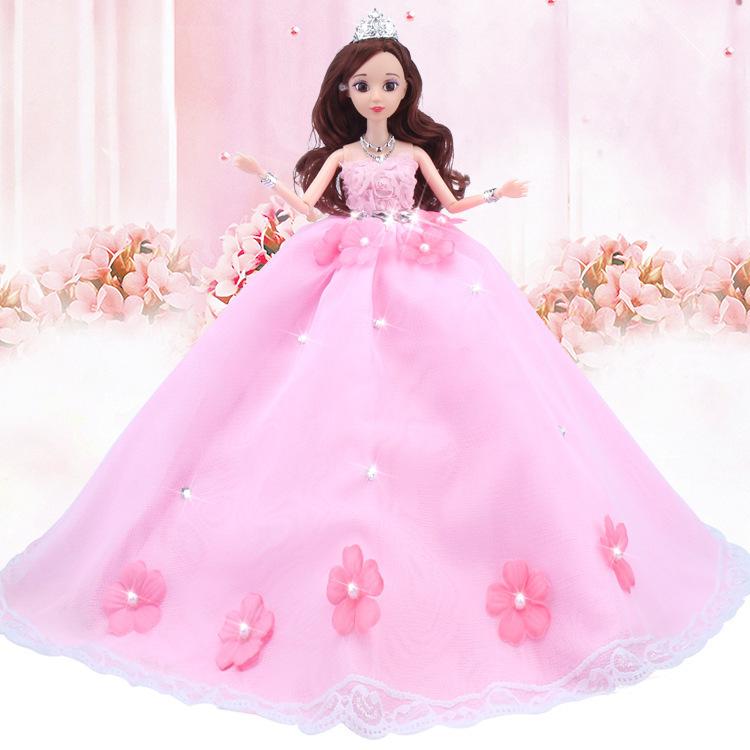 Compre Boneca Barbie Flor De Cor De Rosa Vai Vestido De Noiva Uma