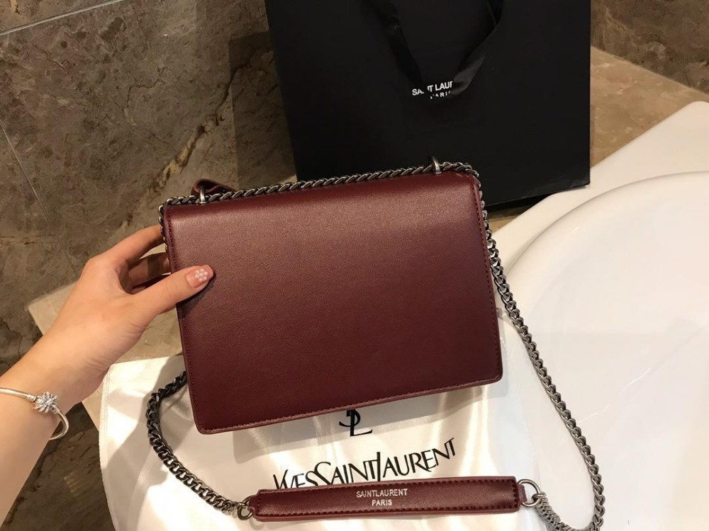 The latest fashion full genuine leather handbags ladies shoulder Messenger mobile phone bag black red