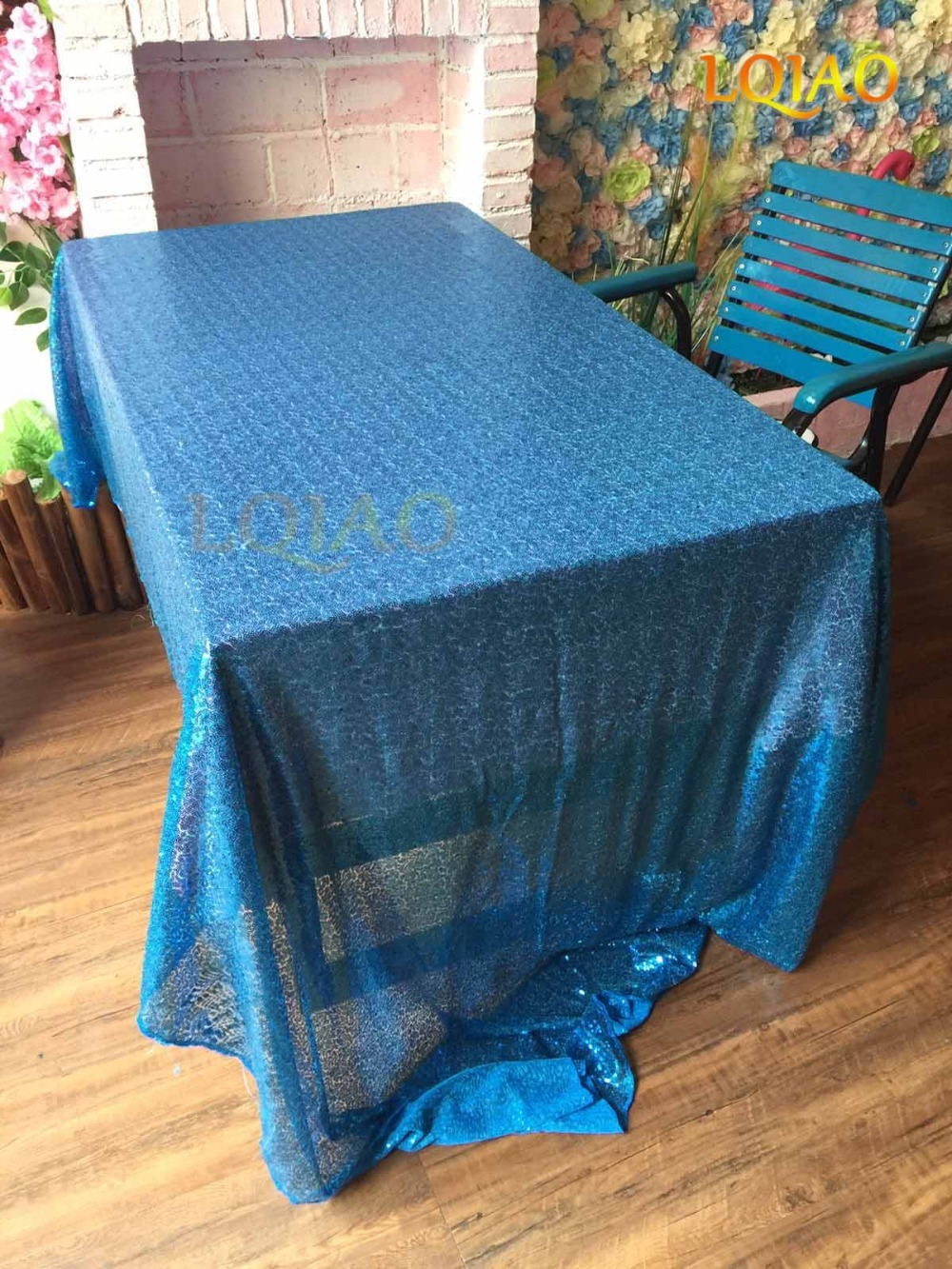 Turquoise sequin tablecloth-001