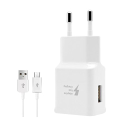 Travel Wall Charger AAA+ 5V/2A 9V/1.67A Adaptive Fast Charging for Samsung S7 S8 With the LOGO Made in Vietnam.