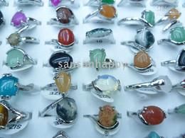 7042476b5c8b Venta al por mayor - anillos de piedra natural de moda 100PCS Bisutería  multicolor con caja de presentación