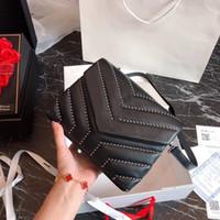 ecc45a773b1 Wholesale cowhide purses handbags for sale - 2019 TOP Quality Famous Brand  Handbag Vintage Chain bag