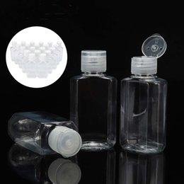 12 Pi/èces 2 oz Bouteilles Vides en Plastique Transparent Petites Bouteilles Compressibles Bouteilles Cosm/étiques Contenants de Voyage Rechargeables avec Casquette Flip avec 3 Entonnoirs