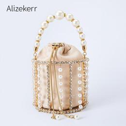 HKDUC Heart Beaded Women Bag Finger Ring Fashion Metal Small Purse Bag Water Rhinestones Party Wedding Evening Bag